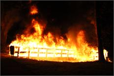 Brug Buitenoordpark in vlammen